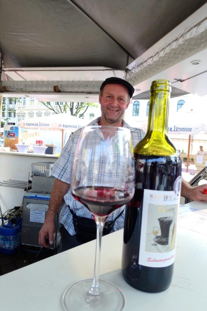 Winzer Hubert Schreiber auf dem Weinfest Oldenburg